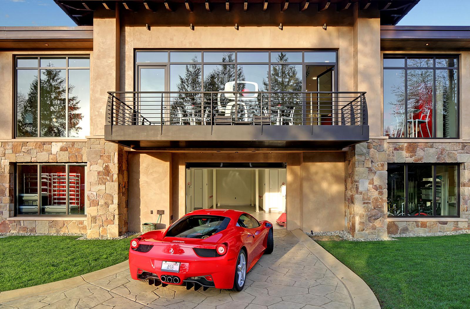 La maison id ale pour tout passionn d 39 automobile for Location de garage automobile