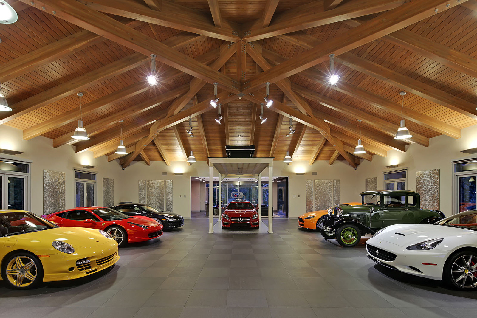La maison id ale pour tout passionn d 39 automobile french driver - Garage de voiture de collection ...