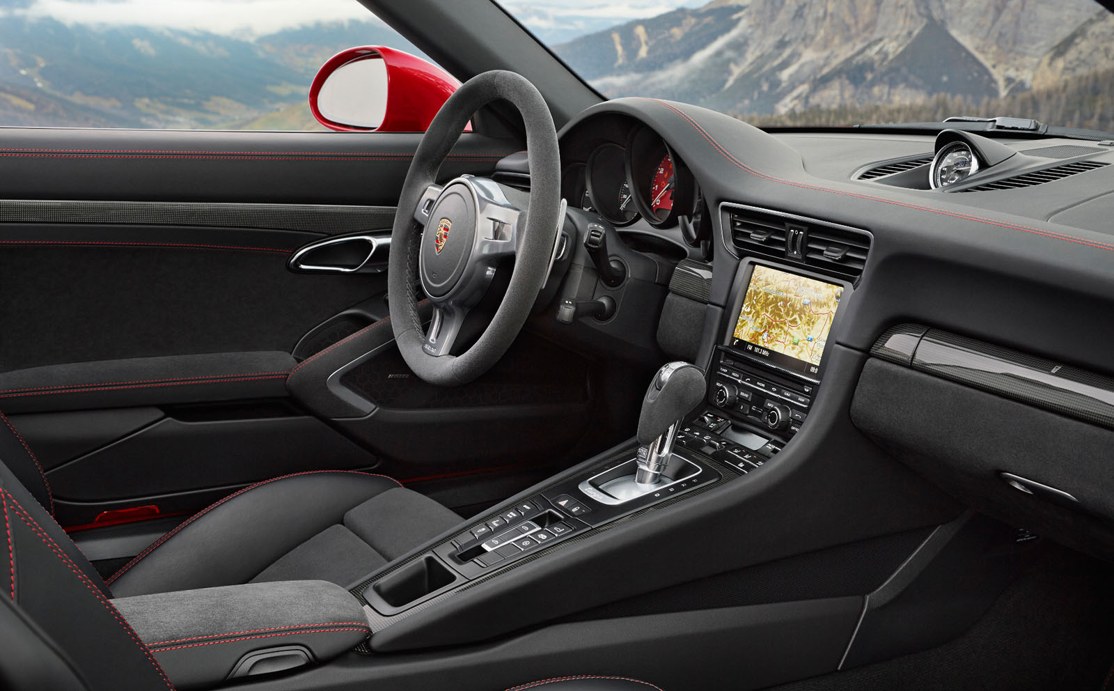 Porsche 911 targa 4 gts rendez vous en terre inconnue for Interieur porsche
