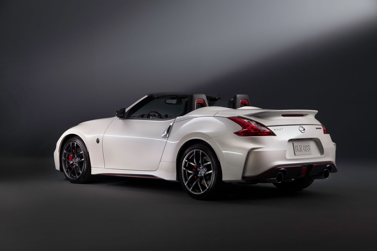 Nissan 370Z Nismo Roadster Concept - French Driver