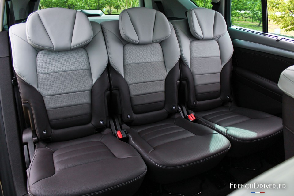 essai de la renault espace v la renaissance de l 39 espace french driver. Black Bedroom Furniture Sets. Home Design Ideas