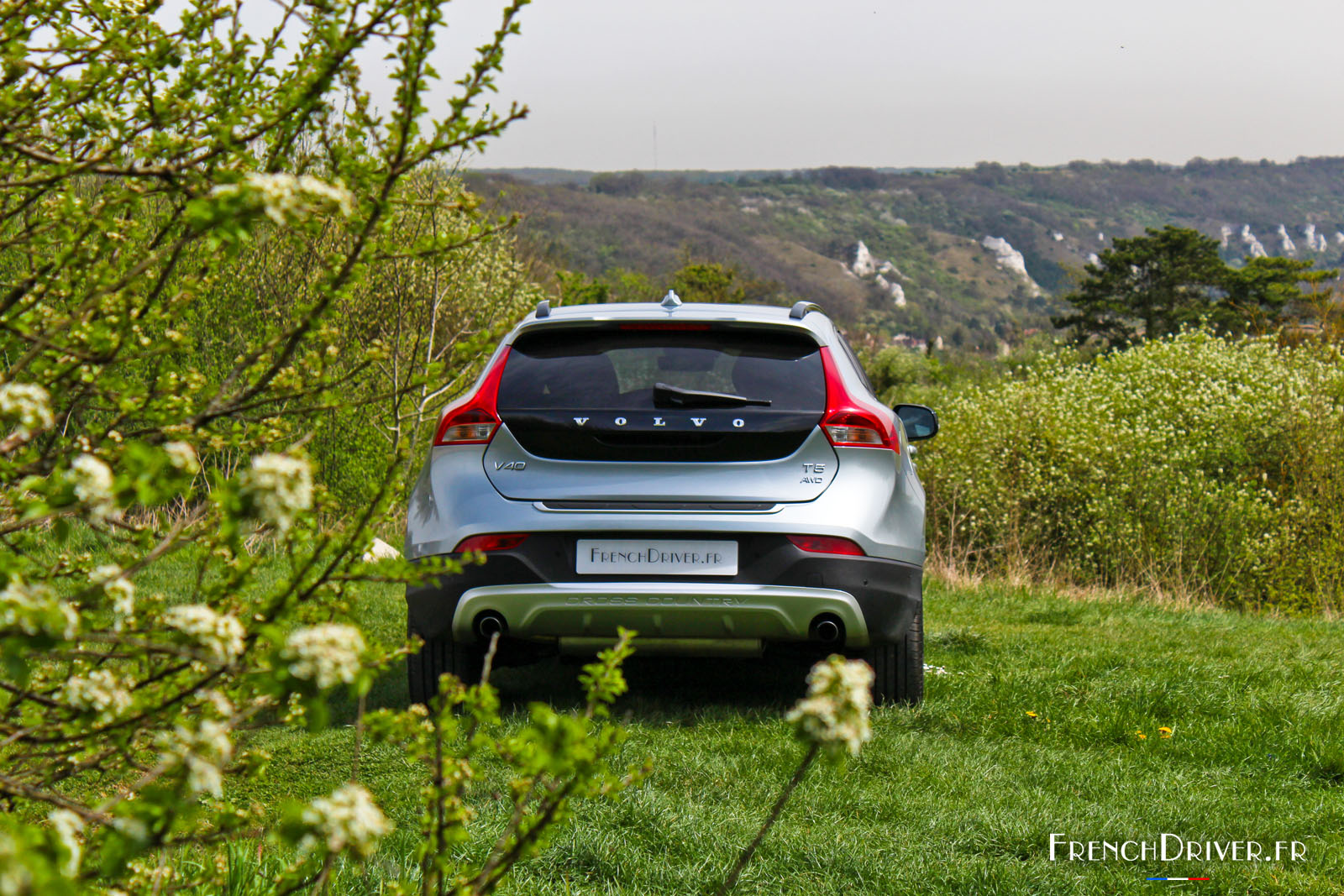 essai de la volvo v40 cross country t5 awd french driver. Black Bedroom Furniture Sets. Home Design Ideas