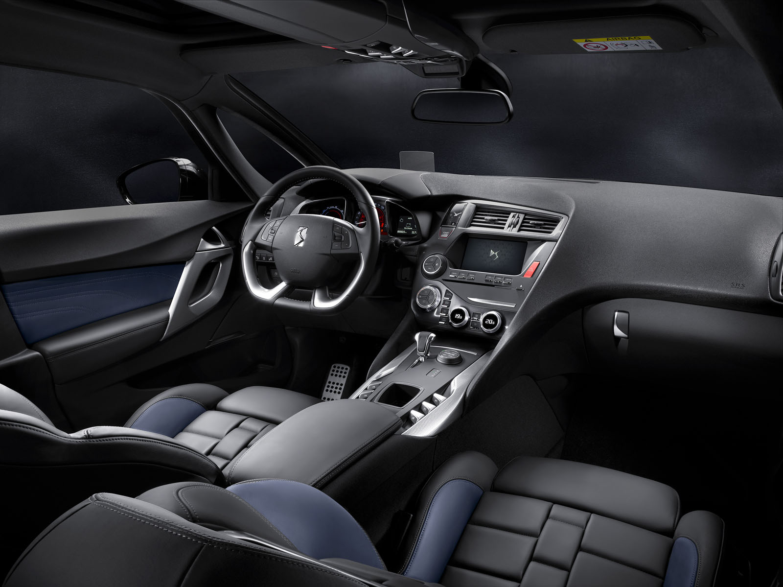 Essai de la nouvelle ds 5 restyl e raffinement la for Interieur french