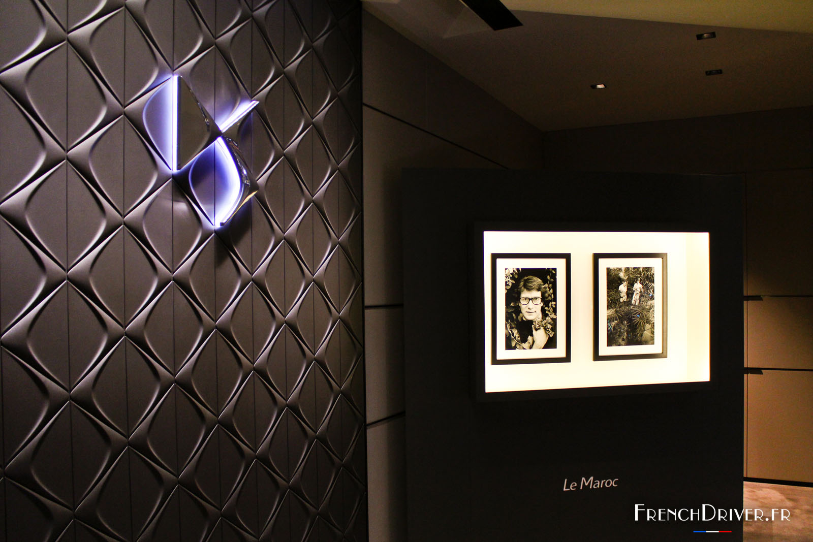 ds world paris exposition photo yves saint laurent french driver. Black Bedroom Furniture Sets. Home Design Ideas