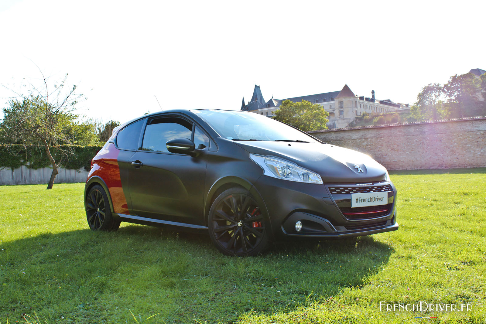 essai de la peugeot 208 gti by peugeot sport la lionne sort les griffes french driver. Black Bedroom Furniture Sets. Home Design Ideas