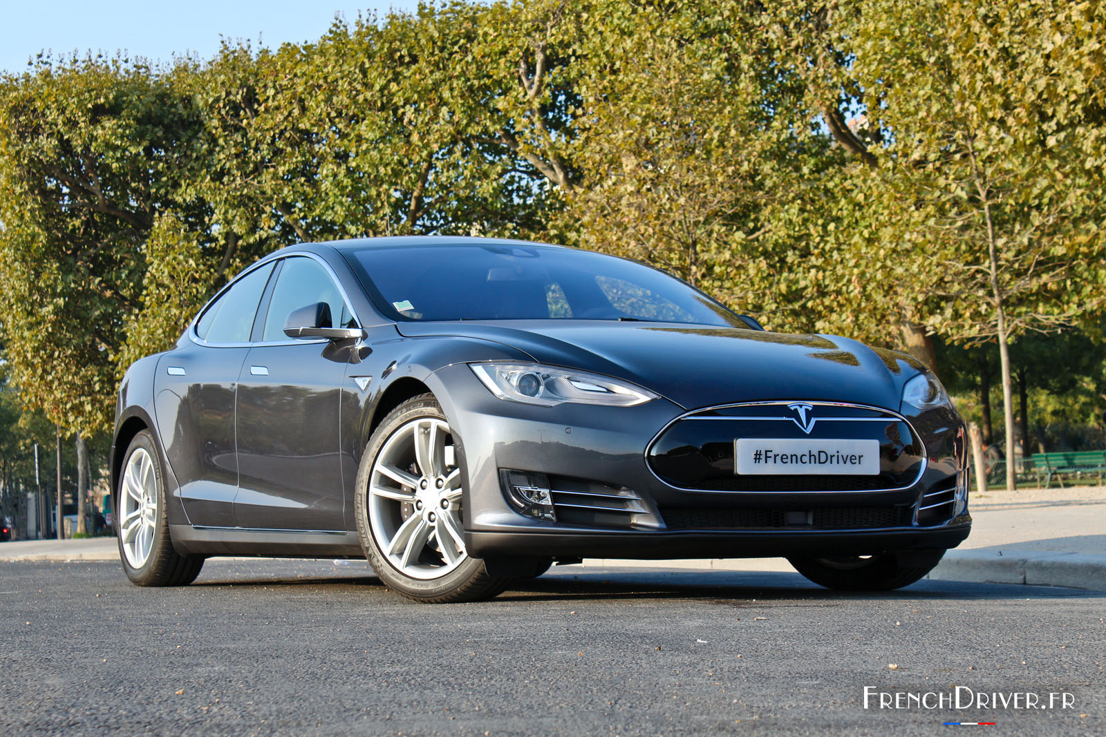 essai de la tesla model s une berline lectrique aboutie french driver. Black Bedroom Furniture Sets. Home Design Ideas