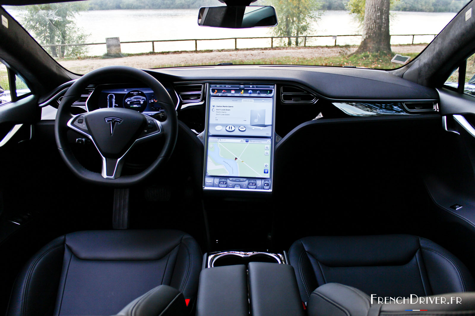 Essai de la tesla model s une berline lectrique aboutie for Interieur tesla model s
