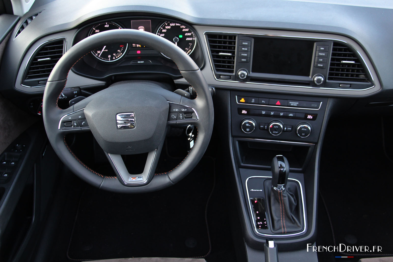 [Actualité] Groupe Dongfeng - Page 4 Essai-seat-leon-xperience-2015-frenchdriver-1-022