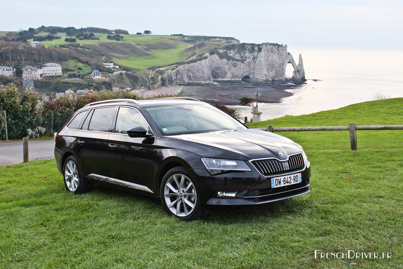 essai de la nouvelle skoda superb combi un grand break qui a de l 39 allure french driver