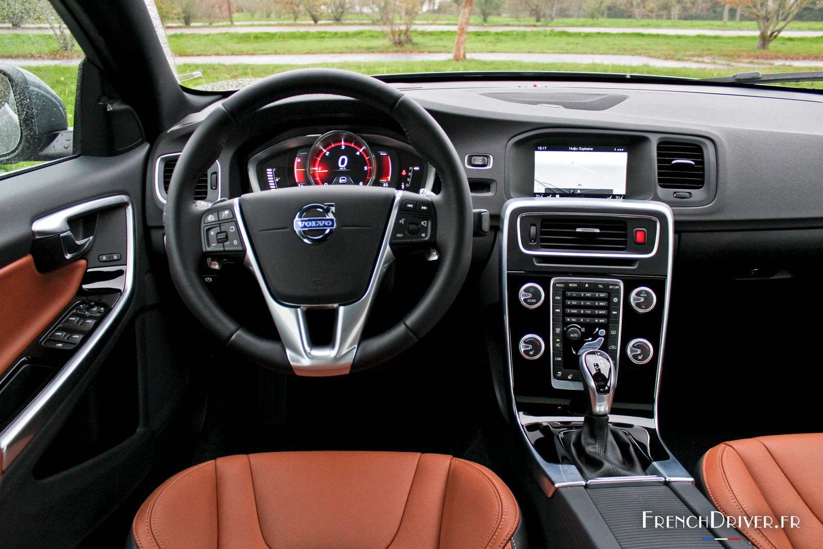 essai de la volvo s60 s rieuse su doise french driver. Black Bedroom Furniture Sets. Home Design Ideas