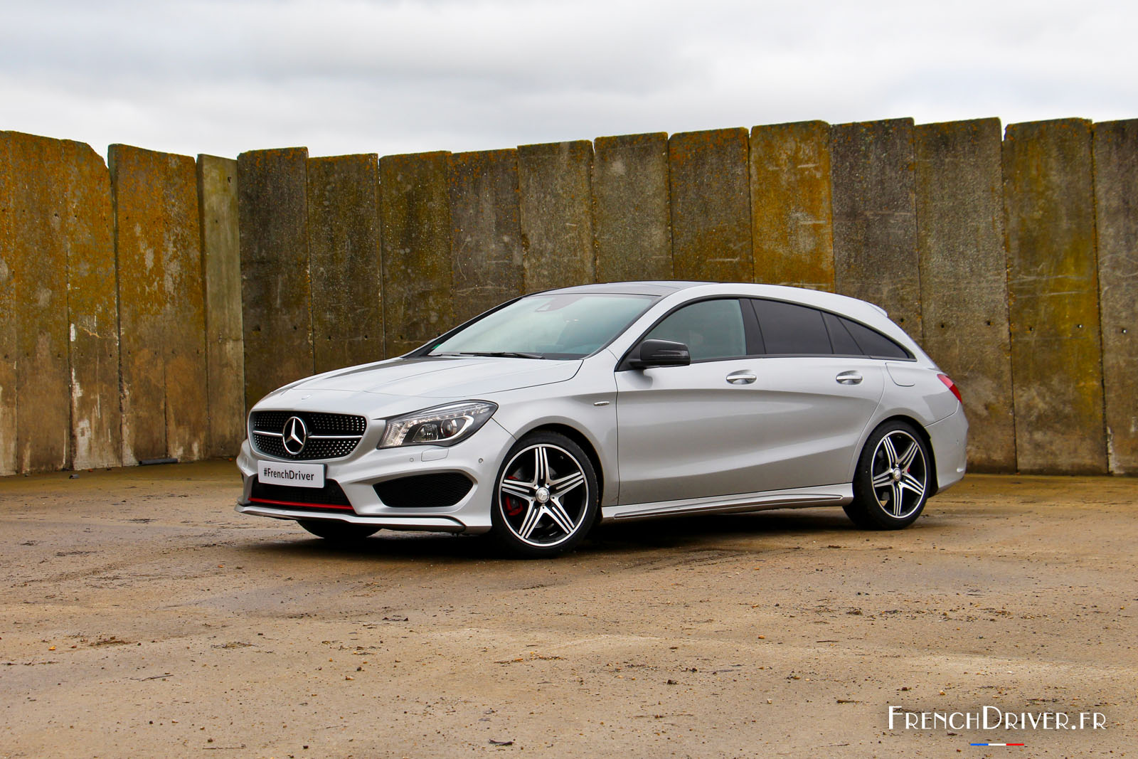 Mercedes Benz Cla >> Essai de la Mercedes CLA Shooting Brake : l'alliance de deux philosophies antinomiques - French ...