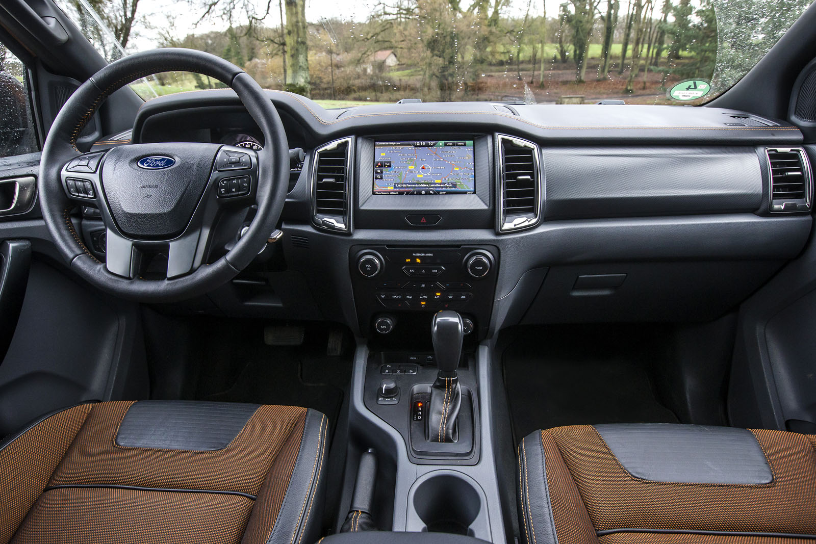 Essai du ford ranger restyl le plus europ en des pick ups french driver for Ford ranger wildtrak interior 2017