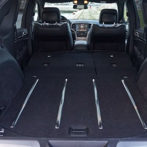 essai du jeep grand cherokee go tez la d mesure am ricaine french driver. Black Bedroom Furniture Sets. Home Design Ideas