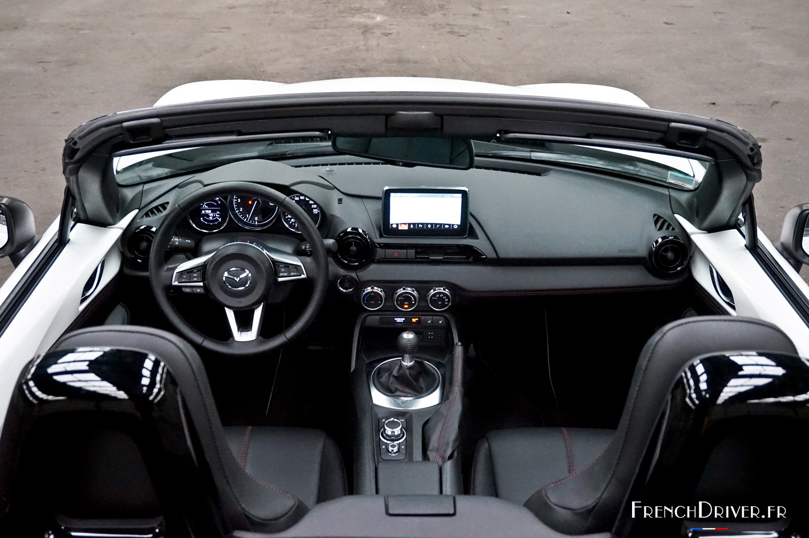 essai de la mazda mx 5 la quintessence du plaisir automobile french driver. Black Bedroom Furniture Sets. Home Design Ideas