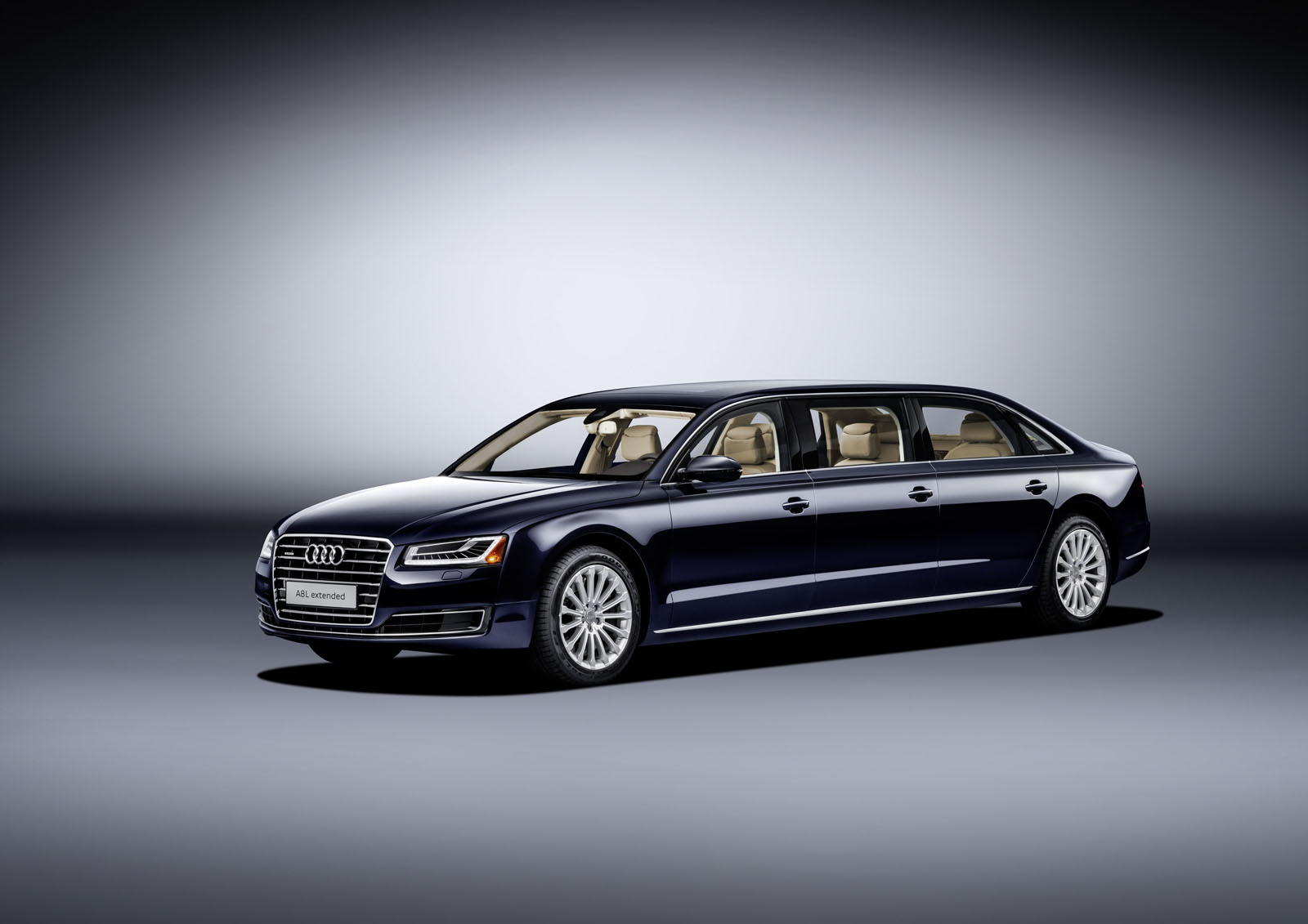 audi a8 l extended la nouvelle limousine aux anneaux french driver. Black Bedroom Furniture Sets. Home Design Ideas