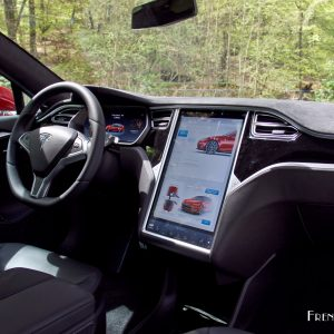Essai de la tesla model s p90d le futur n 39 a jamais t for Interieur tesla model s