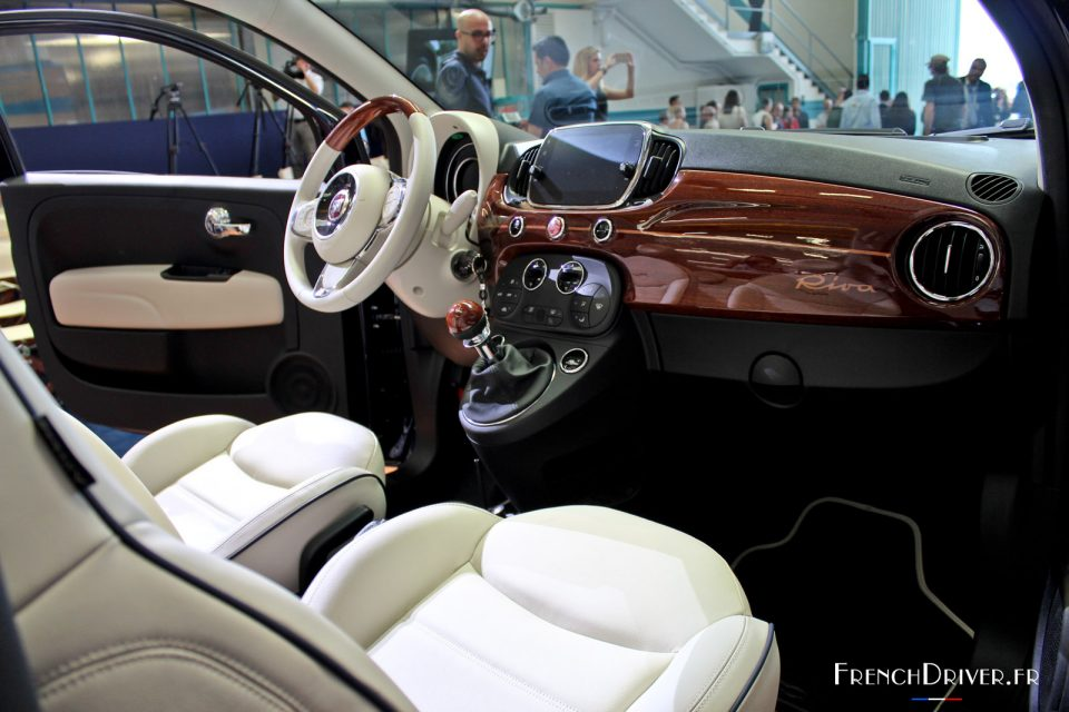 nouvelle fiat 500 riva le plus petit yacht du monde french driver. Black Bedroom Furniture Sets. Home Design Ideas