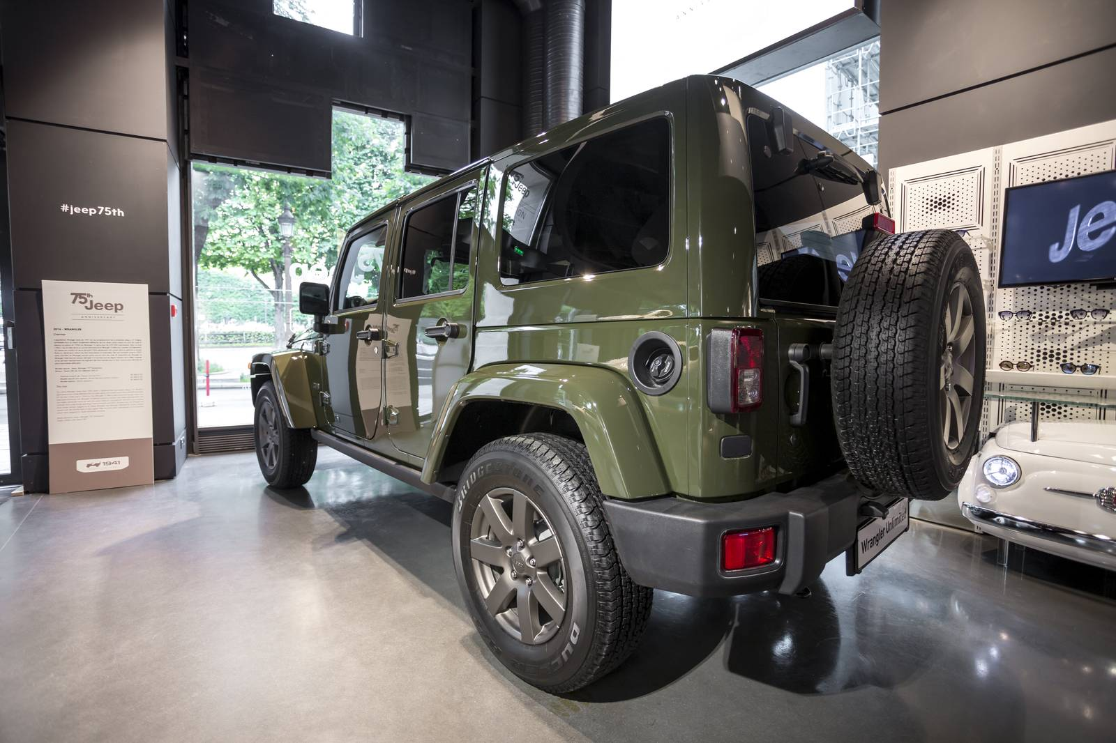 jeep f te ses 75 ans chez motorvillage paris french driver