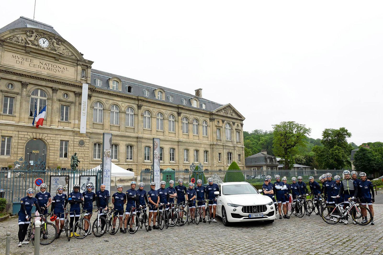 paris modena 2016 une course cycliste pour la bonne cause french driver. Black Bedroom Furniture Sets. Home Design Ideas