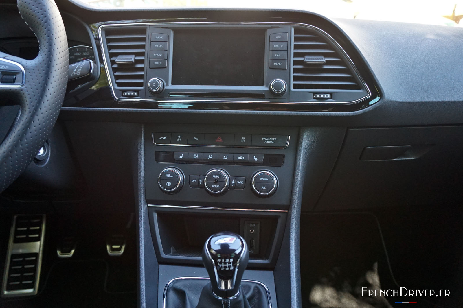 essai seat leon sc cupra 290 une audacieuse espagnole french driver. Black Bedroom Furniture Sets. Home Design Ideas