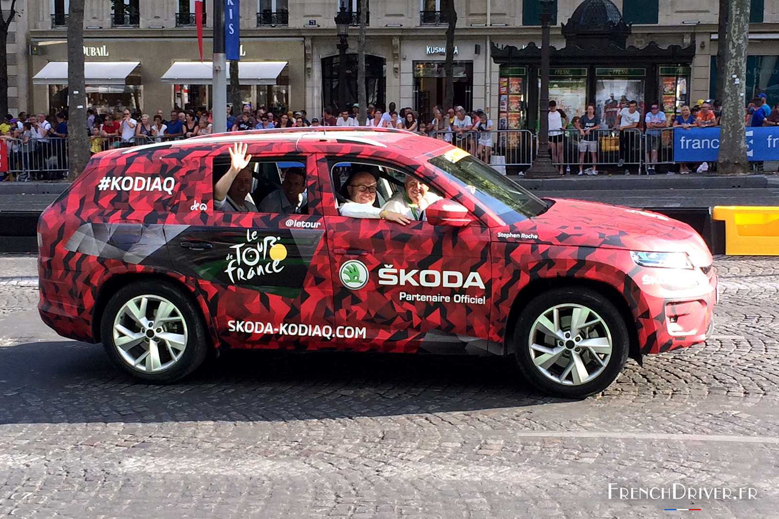 le nouveau skoda kodiaq paris lors du tour de france 2016 french driver. Black Bedroom Furniture Sets. Home Design Ideas