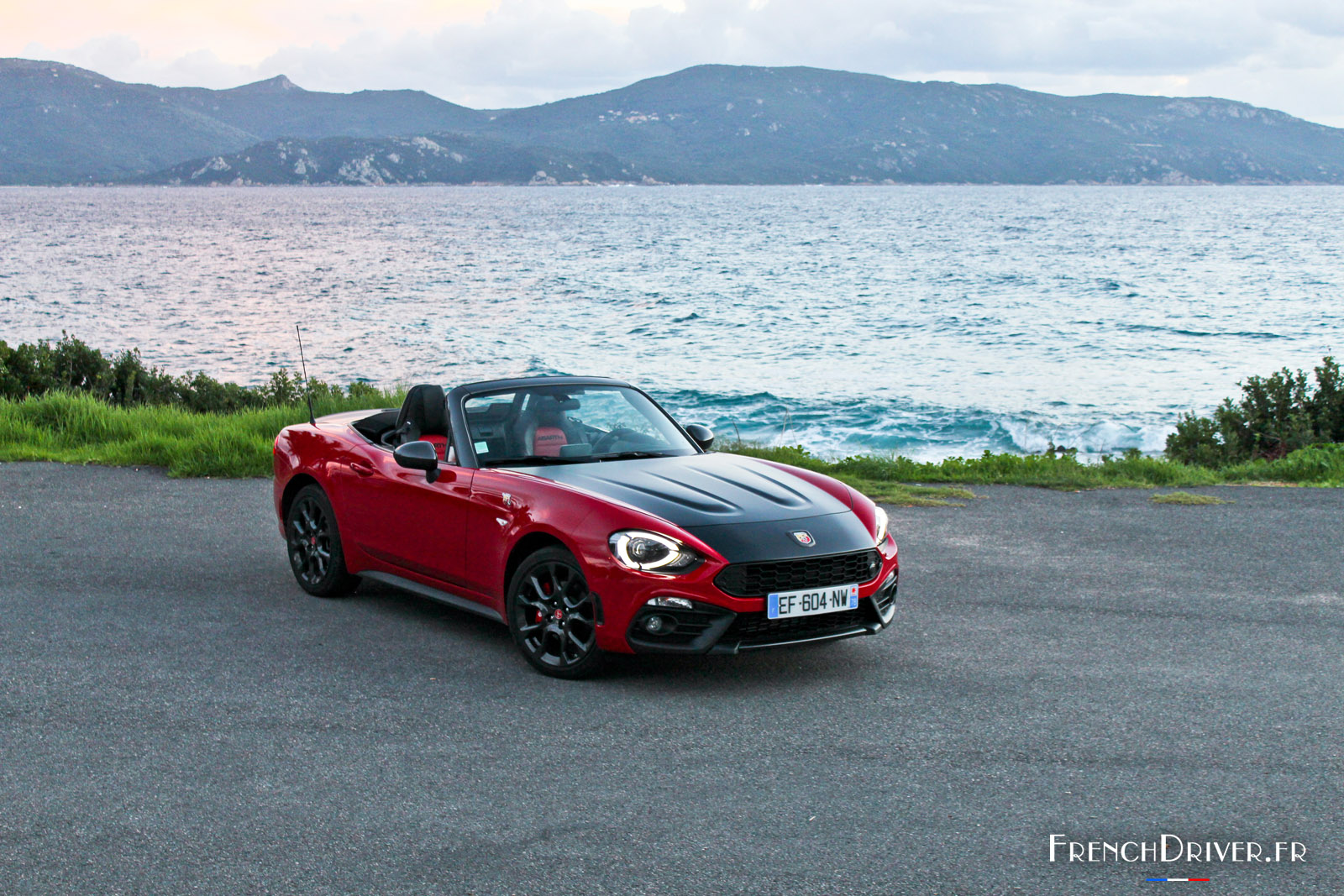 essai abarth 124 spider le scorpion est de retour french driver. Black Bedroom Furniture Sets. Home Design Ideas