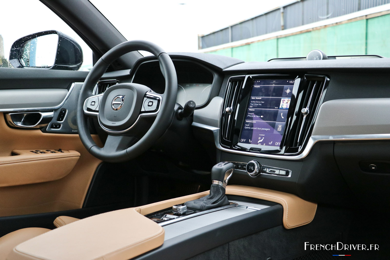 essai volvo v90 t6 la belle la brute et la scandinave french driver. Black Bedroom Furniture Sets. Home Design Ideas