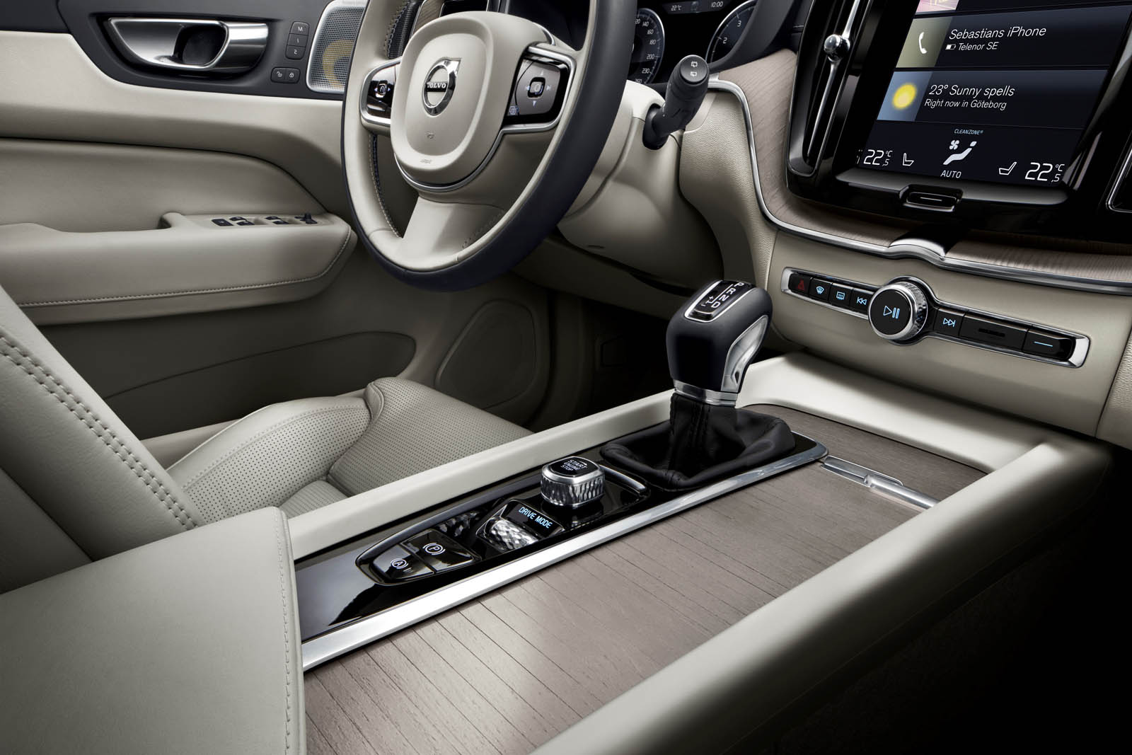 nouveau volvo xc60 une seconde g n ration prometteuse french driver. Black Bedroom Furniture Sets. Home Design Ideas